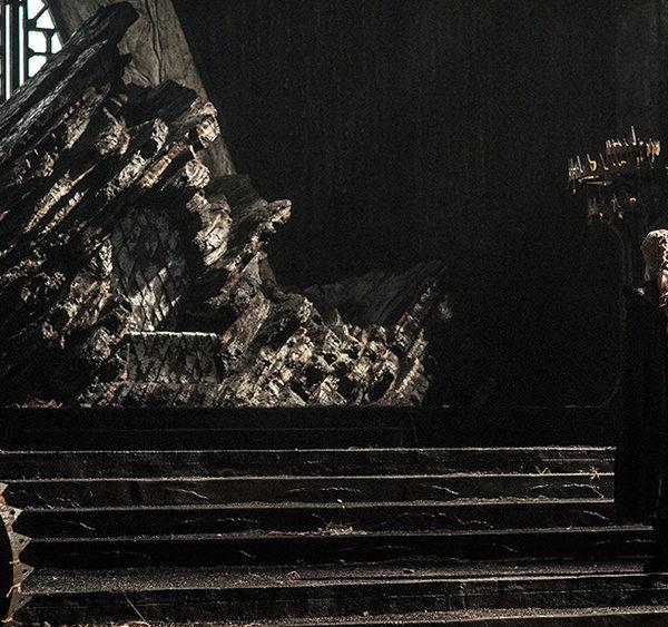 Game of Thrones saison 7 : Daenerys Targaryen et le trône de Peyredragon (crédit HBO)