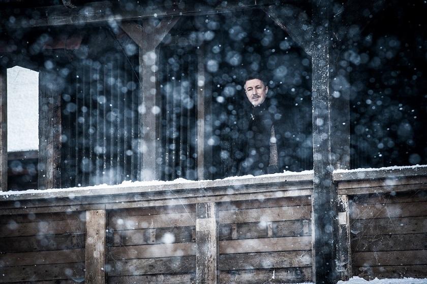 Aidan Gillen (Crédit: Helen Sloan/HBO)
