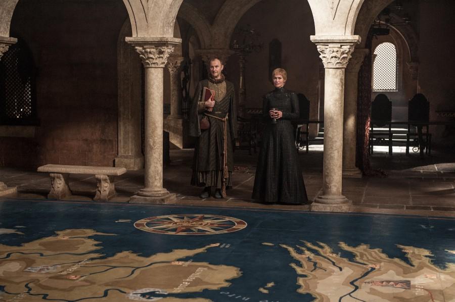 Mark Gatiss, Lena Headey (Crédit: Helen Sloan/HBO)