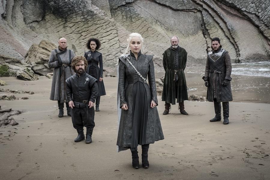 Conleth Hill, Peter Dinklage, Nathalie Emmanuel, Emilia Clarke, Liam Cunningham, Kit Harington (Crédit: Macall B. Polay/HBO)