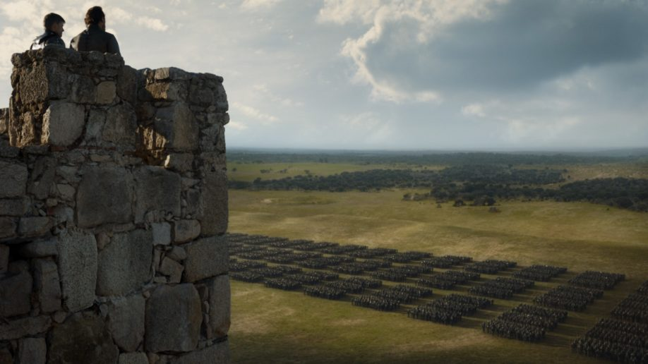 Jaime Lannister et  Bronn constatent que les forces adverses restent toujours aussi conséquentes. Jerome Flynn, Nikolaj Coster-Waldau (Crédit : HBO)