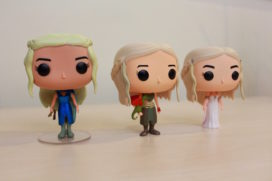 Plusieurs versions de la figurine de Daenerys (Crédit photo : Unbox.ph)