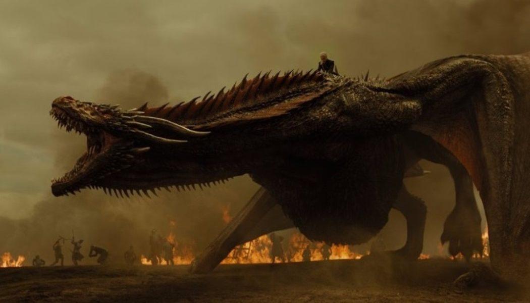 Daenerys Targaryen-chevauchant-Drogon-saison 7