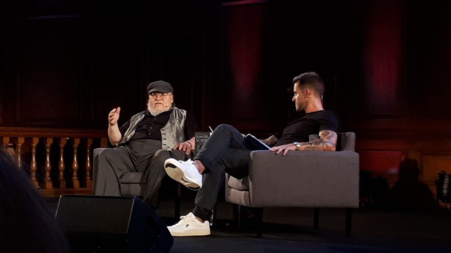 George R.R. Martin et Dan Jones - Londres (Emmanuel Center), août 2019 (© Photo par La Garde de Nuit)